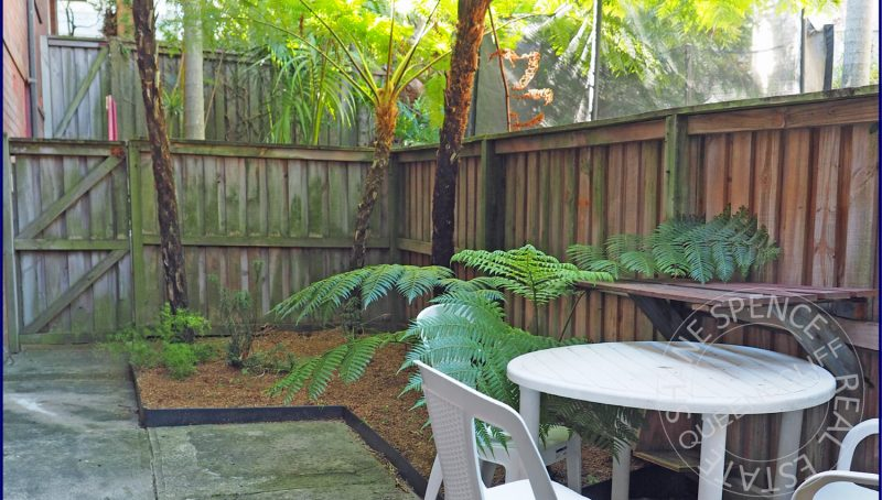 Manly Queenscliff beachside garden unit